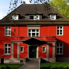 roik_architekt_hamburg_planung_entwurf_fassadensanierung_farbkonzept_villa_strassenansicht