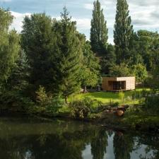 roik_architekt_hamburg_minihaus_thilfy_pavilion_gartenhaus_ansicht_weit