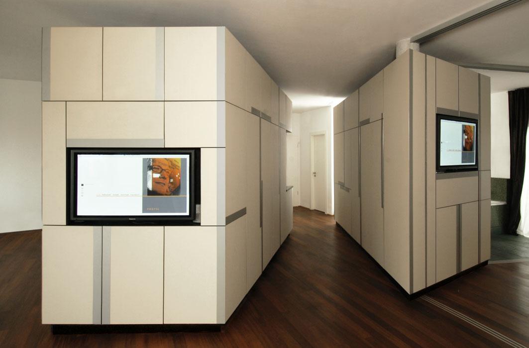 Zwei freistehendes Schrankelemente von Roik Architekt Hamburg